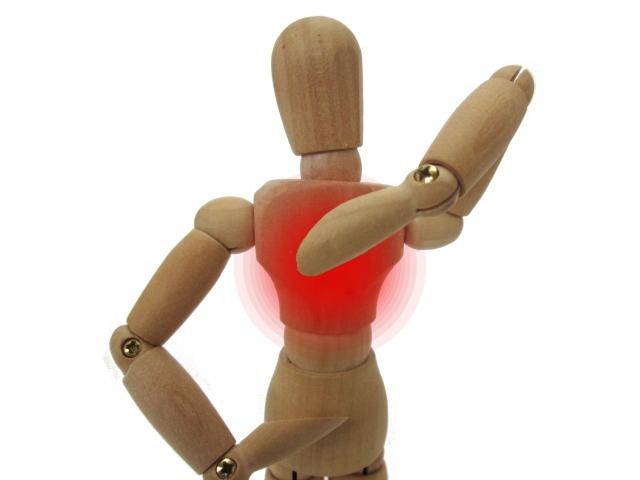痛み 原因 の 背中